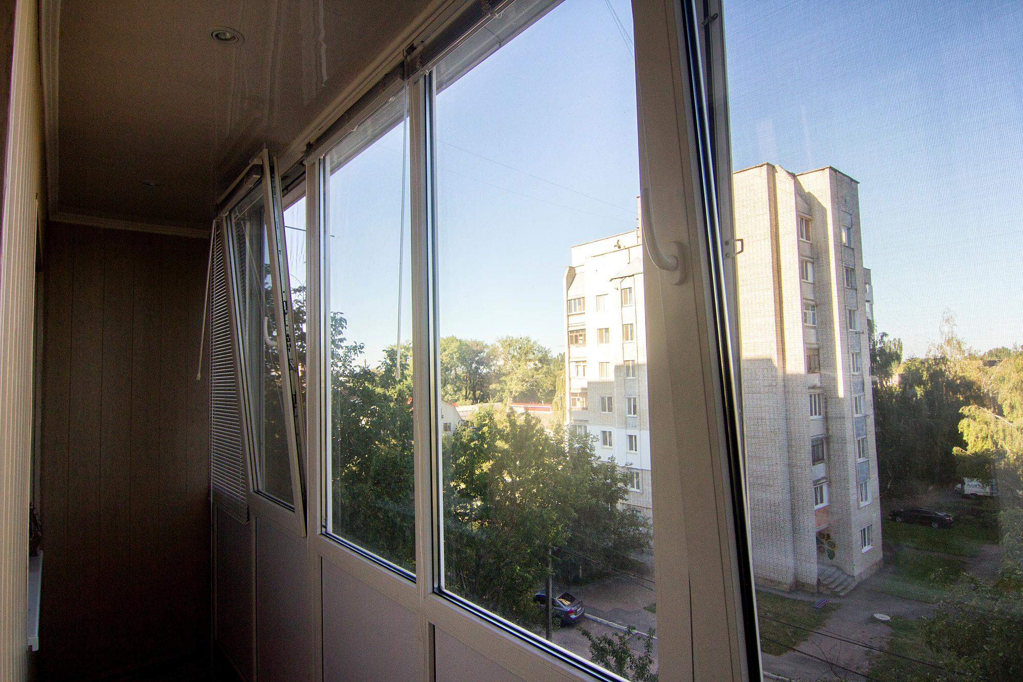 Остекление балконов и лоджий - качественные и недорогие окна.