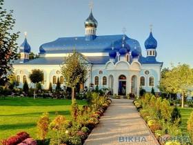 Вікна в Банченському монастирі