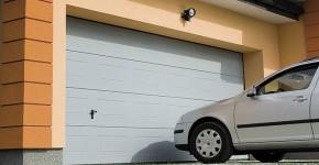 Установка гаражних воріт