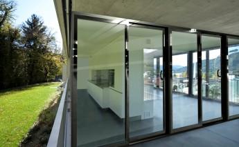 Розсувні двері з алюмінію