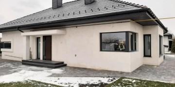 Дом с пластиковыми окнами REHAU и подъемно-раздвижной системой REHAU GENEO HST
