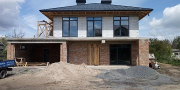 Дом с окнами КОРСА