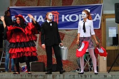 Шоу Окна Корса на празднике в Житомире