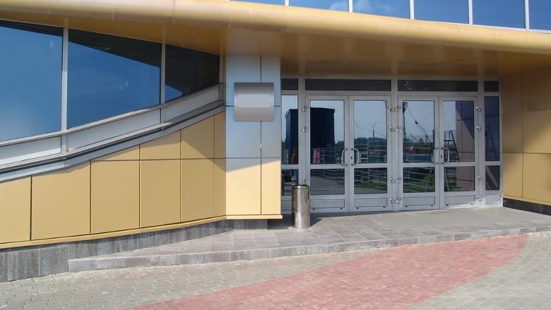 надёжные алюминиевые входные двери