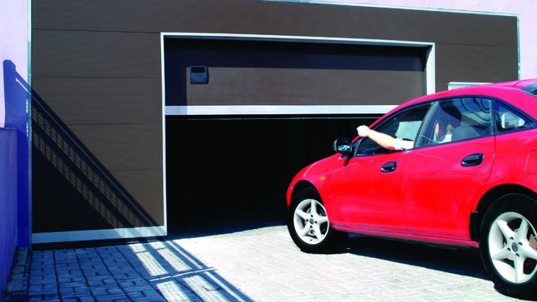 Секционные гаражные ворота Тренд