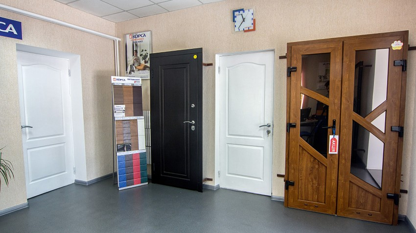 Двері КОРСА