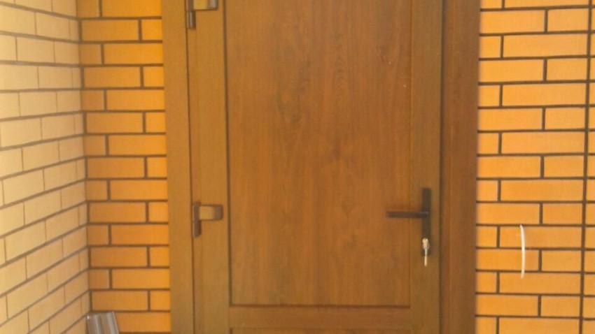 Купити металопластикові двері в Мелітополі